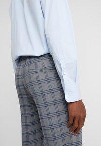 DRYKORN - FOOT - Suit trousers - dark grey - 3