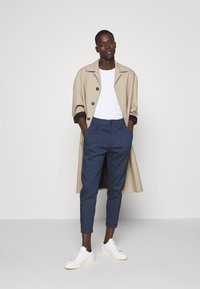 DRYKORN - CHASY - Trousers - blue - 1