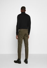 DRYKORN - SIGHT - Trousers - oliv - 2