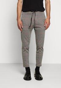 DRYKORN - JEGER - Trousers - grau - 0