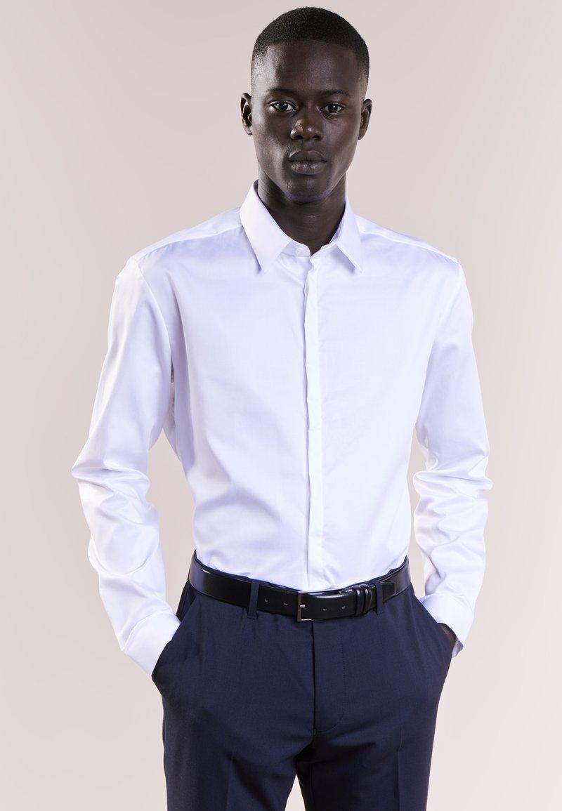 DRYKORN - JONATHAN - Businesshemd - white