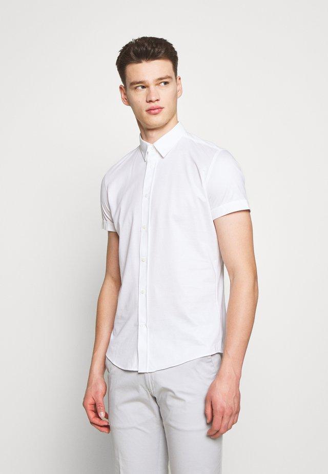 FENNO - Skjorter - white