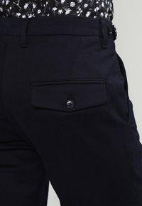 DRYKORN - KILL - Spodnie materiałowe - navy - 4