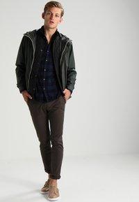 DRYKORN - KILL - Spodnie materiałowe - khaki - 1