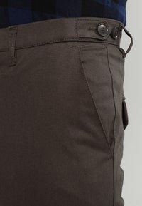 DRYKORN - KILL - Spodnie materiałowe - khaki - 3