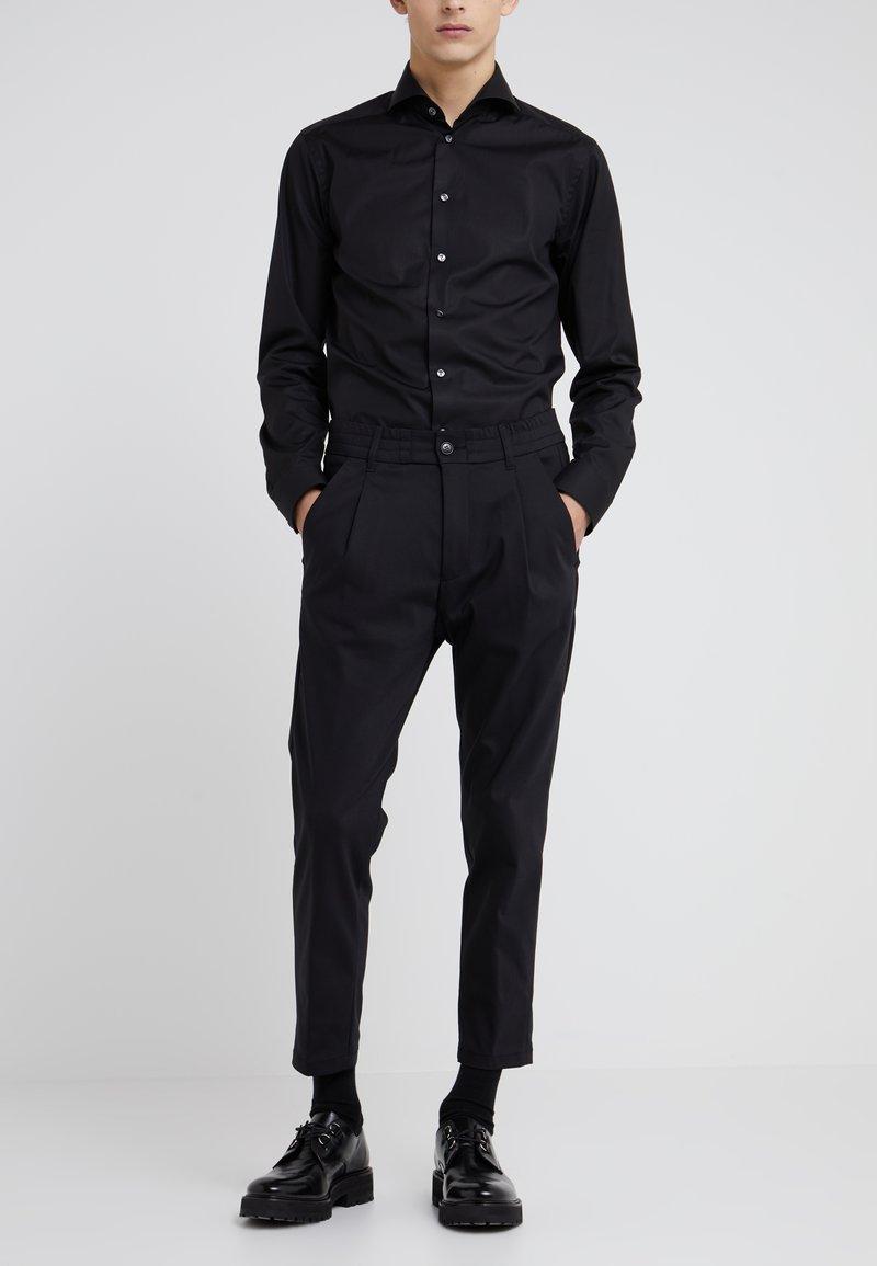 DRYKORN - CHASY - Pantalon classique - black