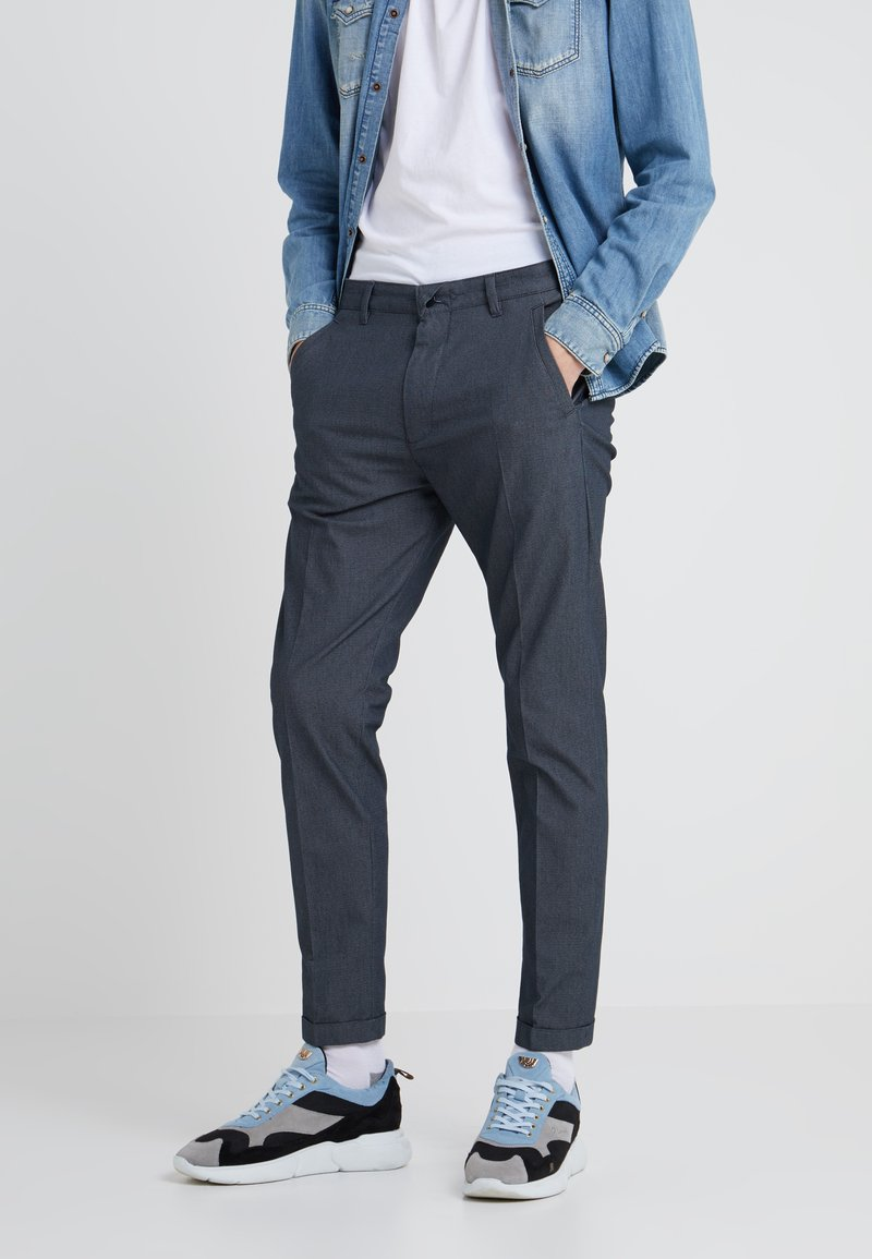 DRYKORN - BREW - Bukse - blue-grey