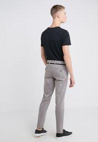 DRYKORN - MAD - Spodnie materiałowe - grey - 2
