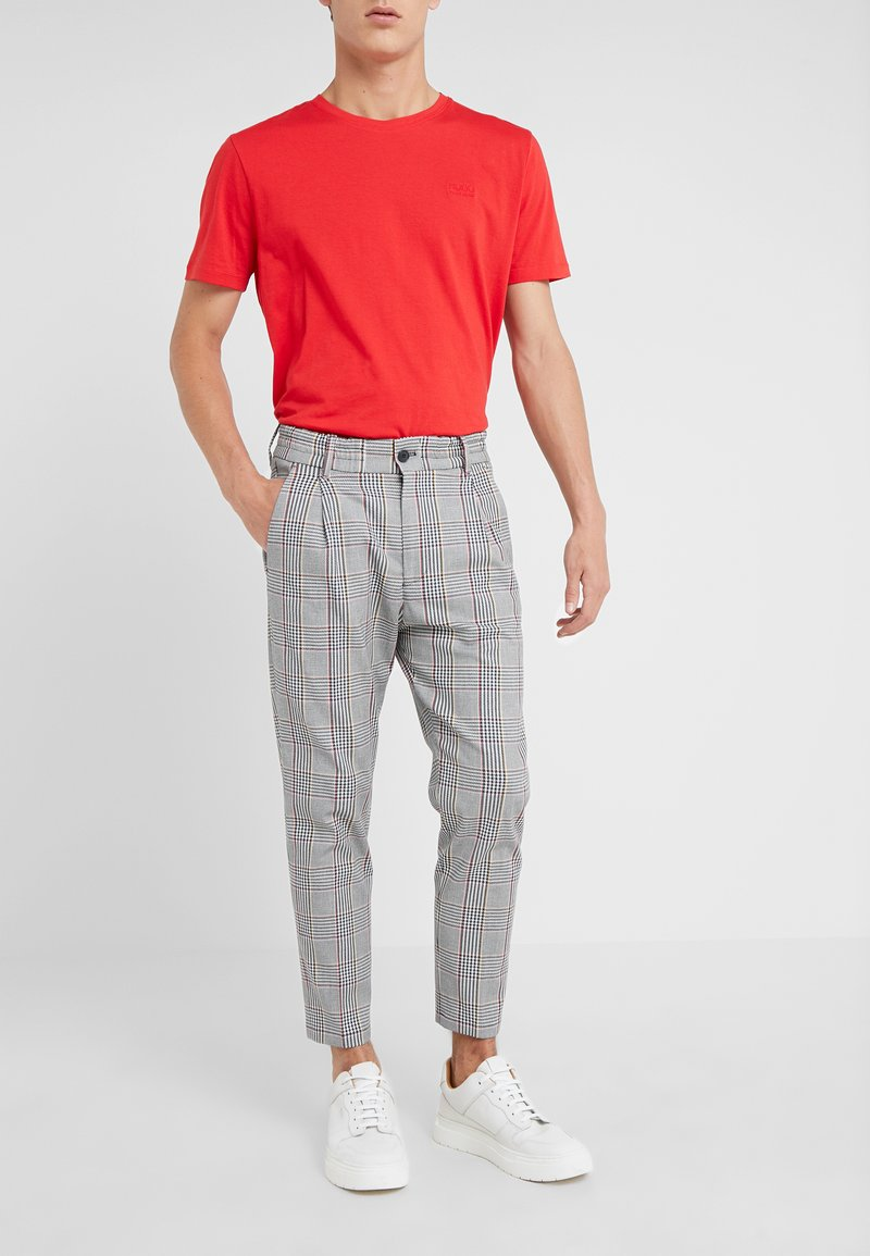 DRYKORN - CHASY - Trousers - bunt
