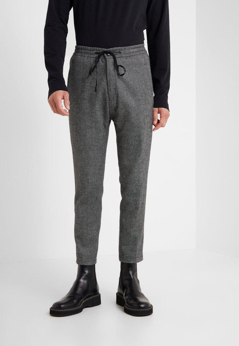 DRYKORN - JEGER - Trousers - grey melange