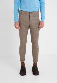 DRYKORN - BREW - Pantalones - beige/brown - 0