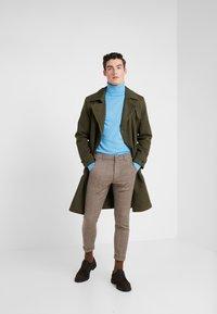 DRYKORN - BREW - Pantalones - beige/brown - 1