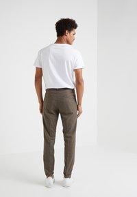 DRYKORN - BREW - Pantalon classique - light brown - 2