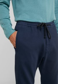 DRYKORN - JEGER - Trousers - navy - 3