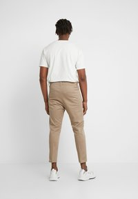DRYKORN - CHASY - Pantalon classique - beige - 2