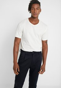DRYKORN - CHASY - Trousers - navy - 3