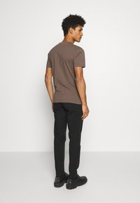 DRYKORN - MAD - Chinos - black - 2