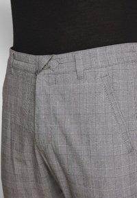 DRYKORN - BREW - Trousers - grey - 4