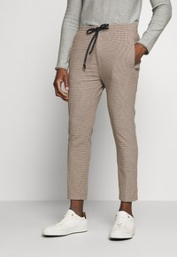 DRYKORN - JEGER - Chinos - beige check - 0