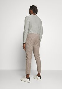 DRYKORN - JEGER - Chinos - beige check - 2