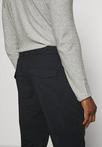 DRYKORN - MOSH - Pantalon classique - black - 3