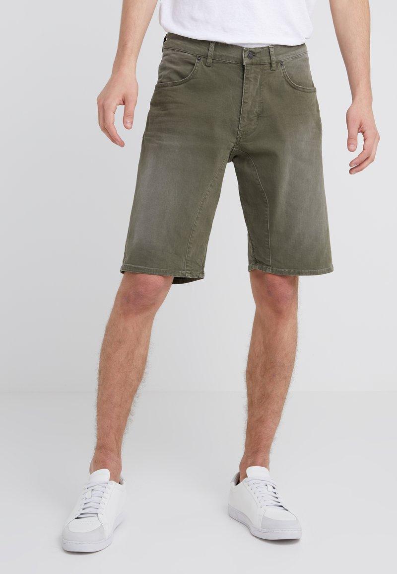 DRYKORN - SEEK - Jeans Shorts - khaki