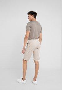 DRYKORN - BRINK - Shorts - beige - 2