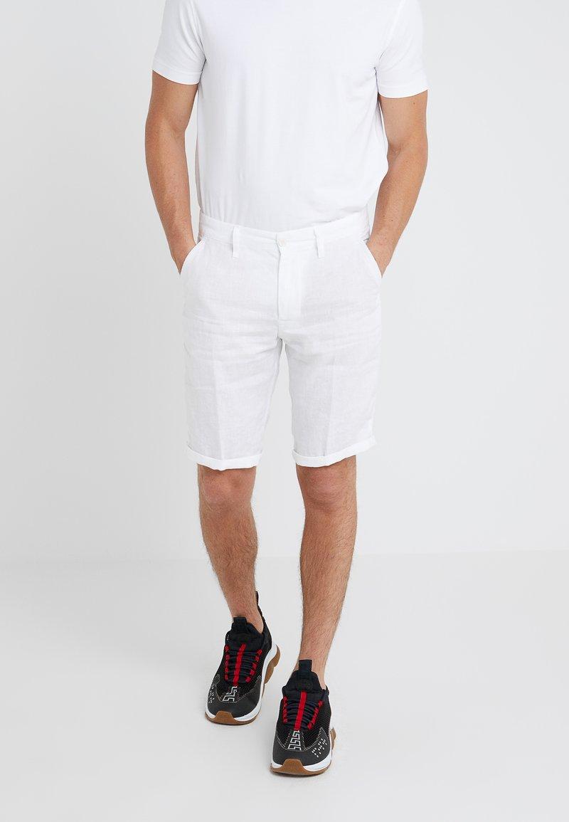 DRYKORN - Shorts - white
