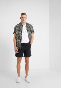 DRYKORN - SORT - Shorts - black - 1