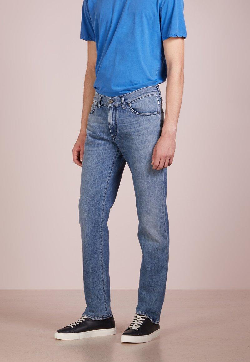 DRYKORN - JAW - Jeans Slim Fit - light blue