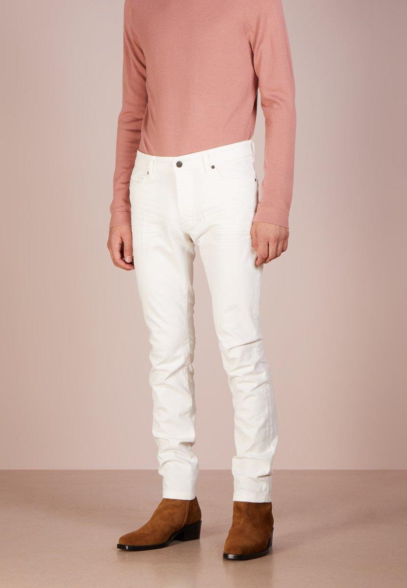 DRYKORN - JAZ - Jeans Skinny Fit - white