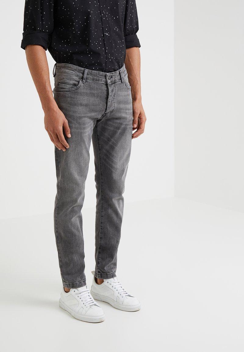 DRYKORN - JAZ - Slim fit jeans - grey denim