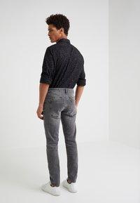 DRYKORN - JAZ - Slim fit jeans - grey denim - 2