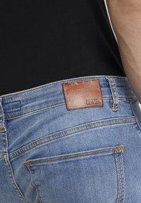 DRYKORN - JAW - Slim fit jeans - blue - 4