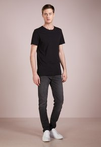 DRYKORN - KENDRICK - T-shirt basique - black - 1