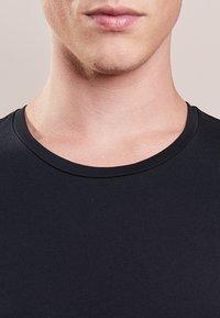 DRYKORN - CARLO - Basic T-shirt - black - 3