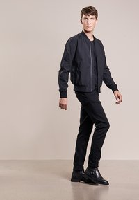 DRYKORN - CARLO - Basic T-shirt - black - 1