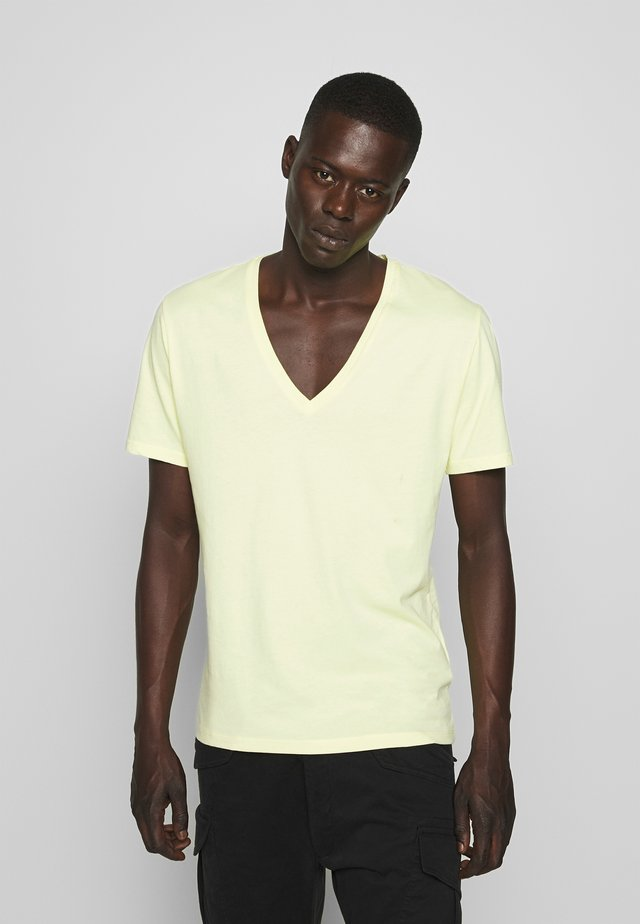 QUENTIN - T-shirt - bas - yellow