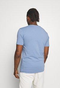 DRYKORN - QUENTIN - T-shirt basique - blue - 2