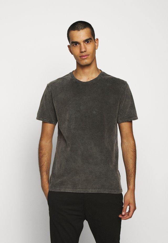 LIAS - Basic T-shirt - grau