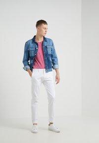DRYKORN - LIAS - T-shirt basique - pink - 1
