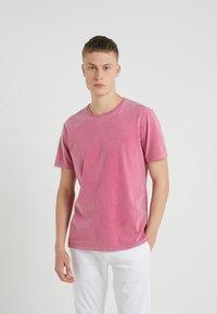 DRYKORN - LIAS - T-shirt basique - pink - 0