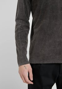 DRYKORN - ELIAH - T-shirt à manches longues - anthracite - 5