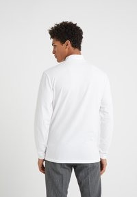 DRYKORN - TAMO - Topper langermet - white - 2
