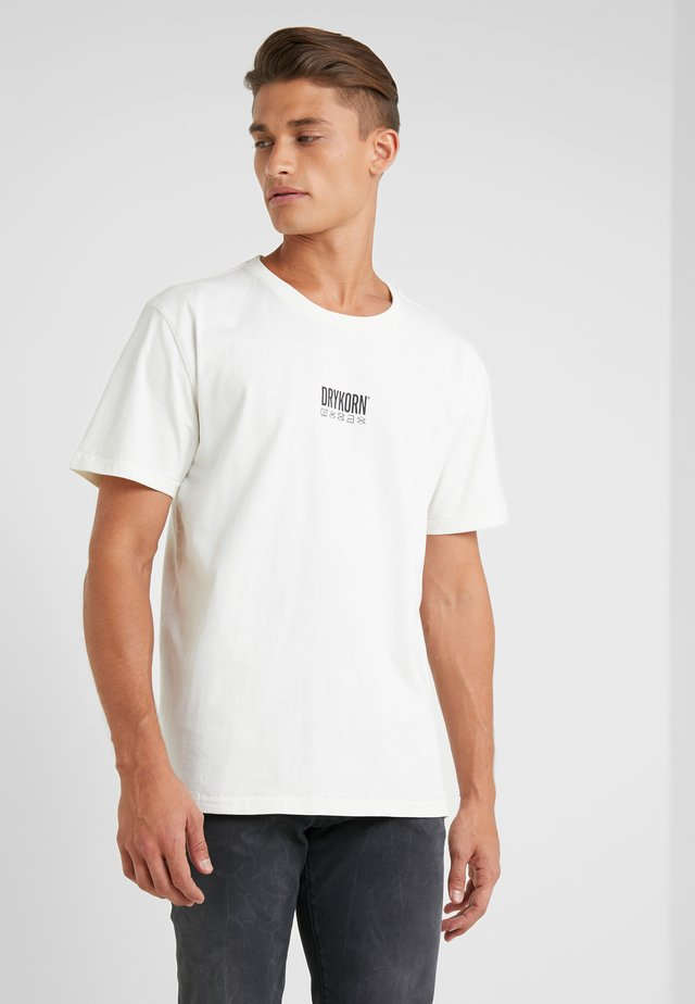 SAMUEL CODE - T-shirt imprimé - offwhite