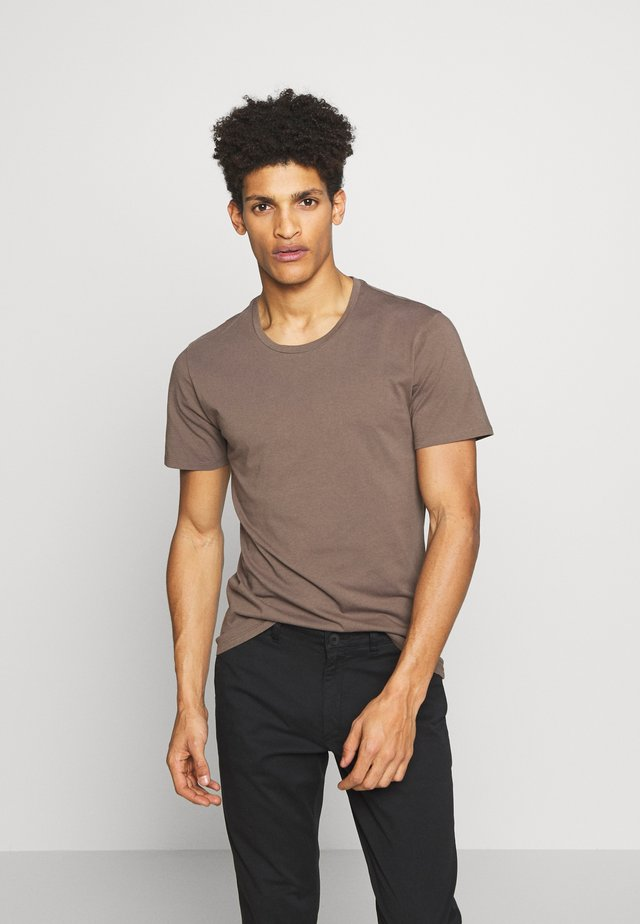 CARLO - Basic T-shirt - khaki