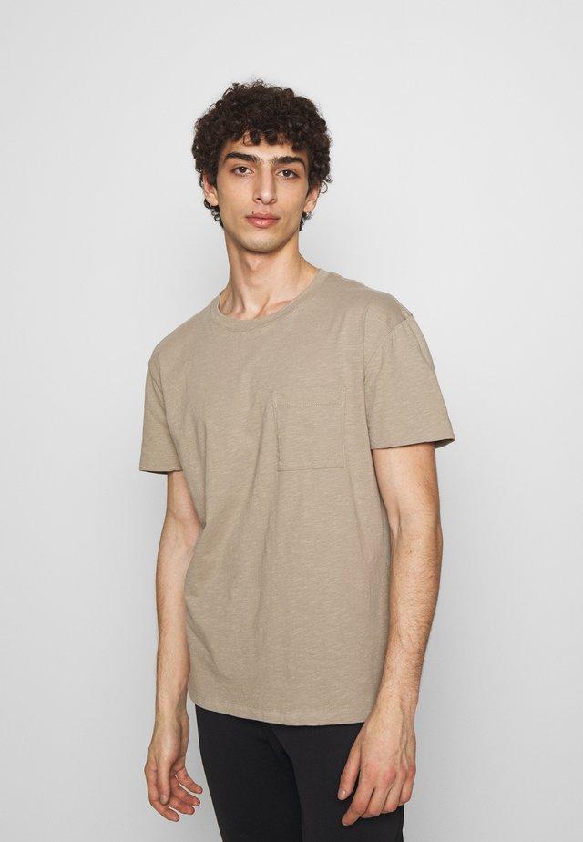 SCOLD - Basic T-shirt - beige
