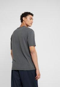 DRYKORN - RANIEL - Basic T-shirt - anthracite - 2