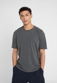 DRYKORN - RANIEL - Basic T-shirt - anthracite - 0