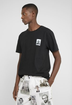 SAMUEL BERLIN - T-shirt z nadrukiem - black